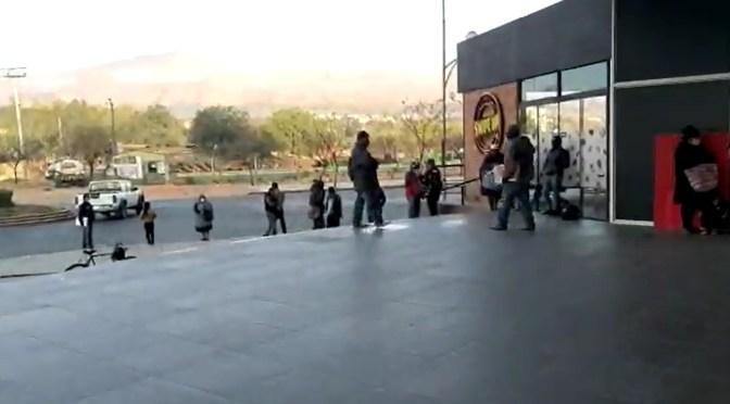 La gente hace fila en el Segip desde las cinco de la madrugada