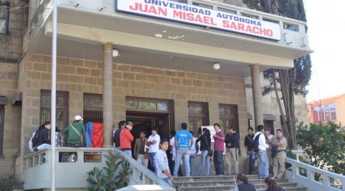 Denuncian que rector Gandarillas pretende disponer el IDH estudiantil para sueldos