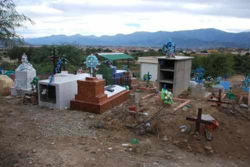 Cementerio general de Tarija colapsado