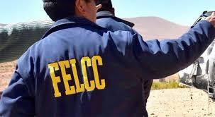 Le roban bs 100 y herramientas a una anciana en El Valle de la Concepción