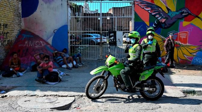 «El tiro fue directo a la cara»: Una mujer denuncia la muerte de su hijo a manos de la Policía de Colombia