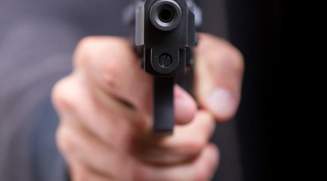 Le dispara a su cómplice por no encontrar nada de valor en un asalto