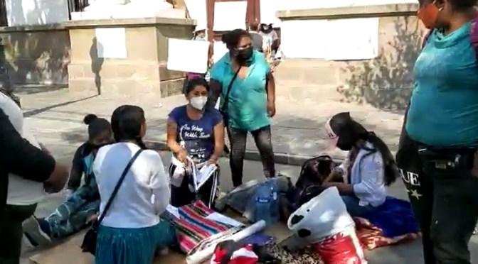 Mujeres que cumplen huelga de hambre piden audiencia con autoridades de la Gobernación
