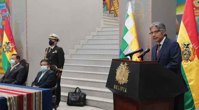 Wilfredo Chávez jura como nuevo Procurador General del Estado