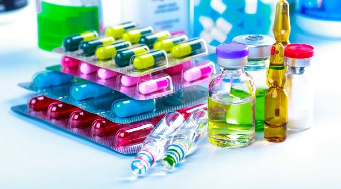 Legisladores trabajarán propuesta para agilizar compra de medicamentos