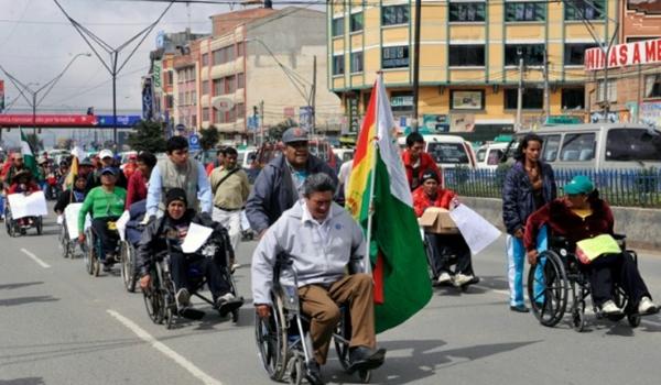 Discapacitados van a huelga de hambre, exigen a Oscar Montes la canasta alimentaria