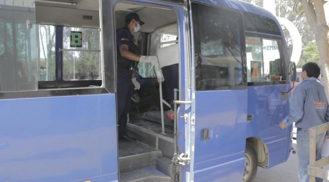 Reducen vehículos de transporte público que incumplen medidas de seguridad