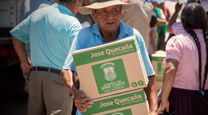 Las 4 canastas se distribuyen desde hoy a 8.500 abuelos de Yacuiba