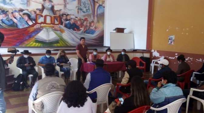 Ministro Characayo compromete mesa técnica para atender demandas de productores de cebolla