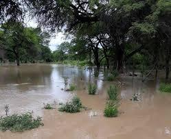 Lluvia en Yaguacua: Aguas arrastran en una quebrada a dos menores, uno de ellos murió ahogada
