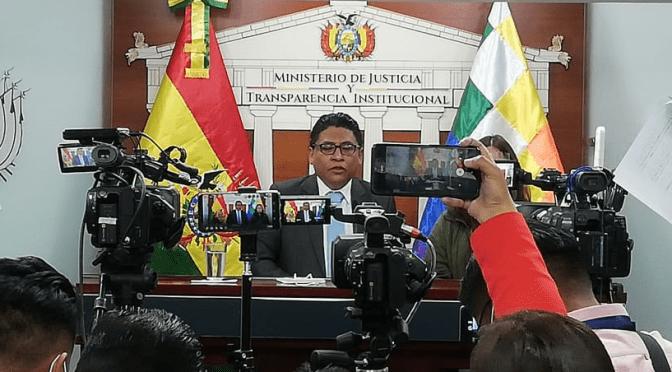 El Gobierno califica como una 'organización criminal' el caso de Characayo y se investiga a otros funcionarios