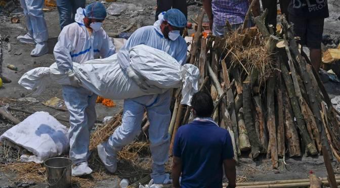 Récord: India registra 379 mil casos de Covid en 24 horas