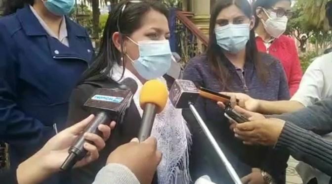 Diputados y senadores inspeccionan centros de salud de Tarija