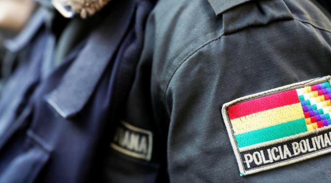 Capturan a falsos policías acusados de robar a dos ciudadanos