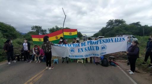 Pese a convenio, salubristas siguen con los bloqueos porque desconfían de Quecaña