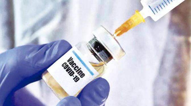 ¿Qué se sabe de los efectos secundarios de las vacunas de AstraZeneca y Johnson & Johnson?