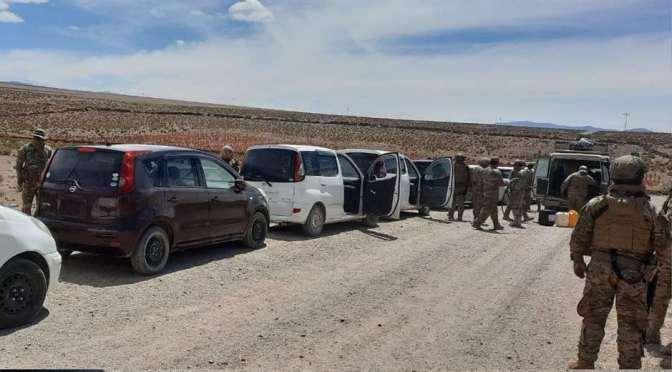 Contrabandistas utilizan armas de fuego de uso militar para proteger su actividad ilícita