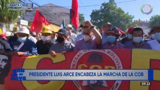 Arce encabeza marcha de la COB por el 1 de mayo