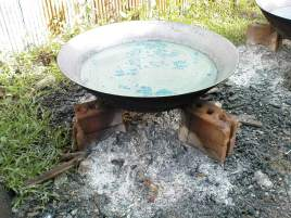boiling water to remove the wax