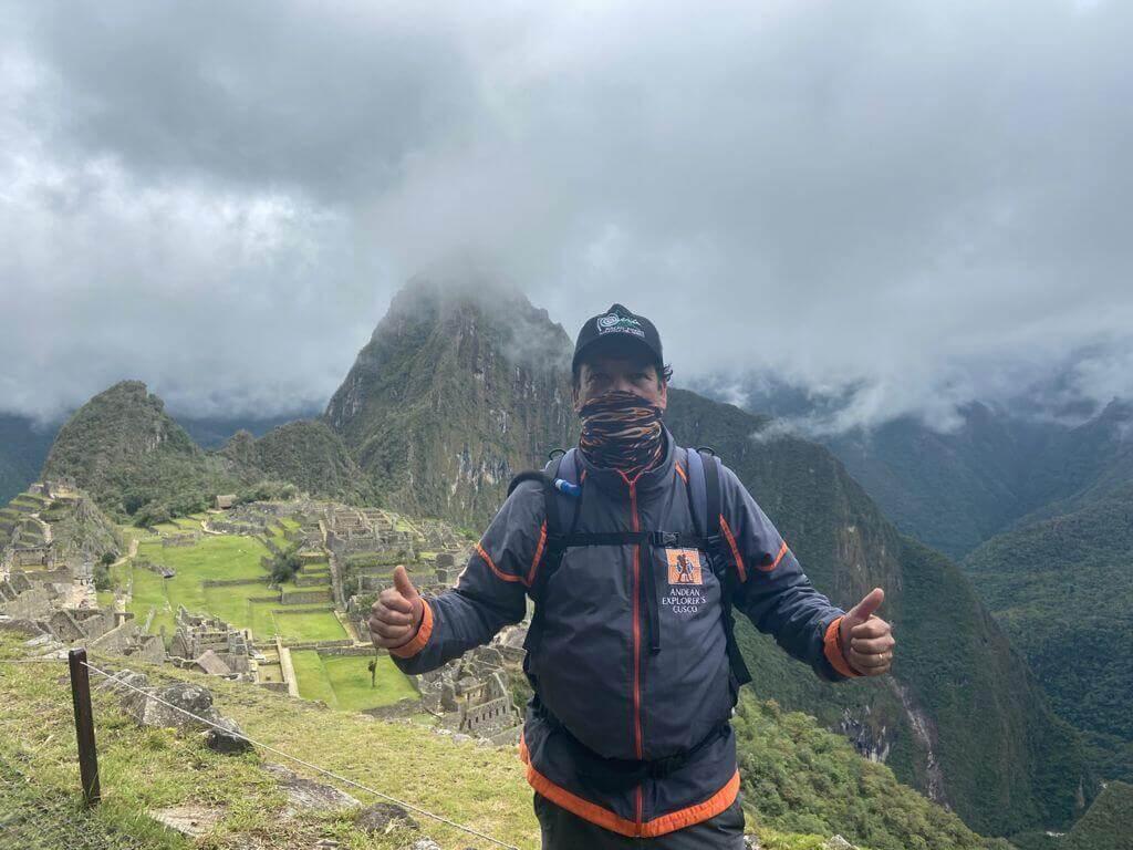 Guía turistico de Andean Explorers Cusco