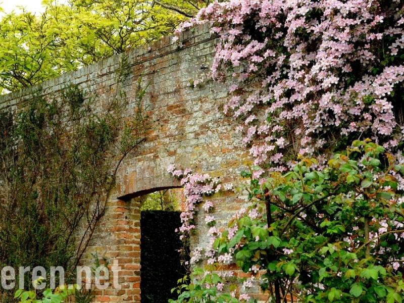 Sissinghurst Castle Garden in Kent, England. 英國西辛赫斯特城堡花園, Projekt Anderen