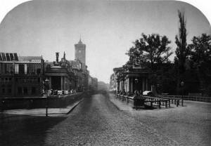 8. Königsbrücke und Königskolonnaden im Jahr 1872.