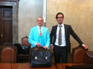 Bürgerrechtsvertreter und Rechtsanwalt Dr. Michael Dohr aus Wiener Neustadt (links im Bild) war Verteidiger im Alpen-Donau.Info- und im Tierschützer-Prozess.