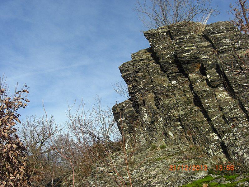 Nicht nur das Teufelsloch selbst ist attraktiv, die gesamte Felsformation spricht mich an.