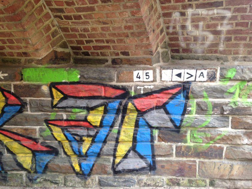 Graffiti, Mural, auf jeden Fall Kunst unter der Unterführung des AV2 bei Altenburg