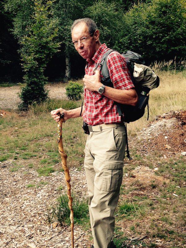 Karl-Heinz Hoffmann, Wanderurgestein vom Hunsrück-Verein, zeigte uns den Weg durch den Soonwald (Foto: Hans-Joachim Schneider)