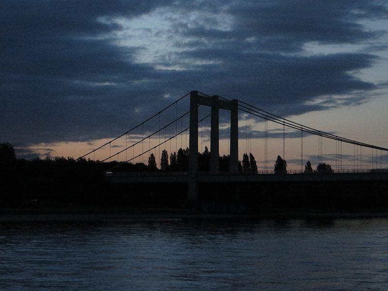 Hier steht ein Bild mit dem Titel: Früh, noch vor Sonnenaufgang startet die Frühaufstehertour (Foto: Hans-Joachim Schneider)