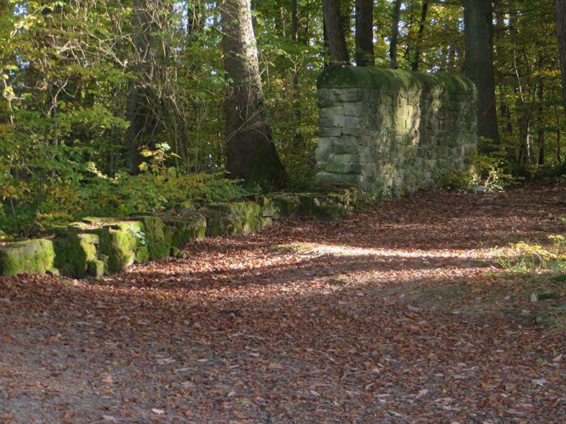 Die Langmauer am Römerpfad beschützte einst ein riesiges Stück Ackerland