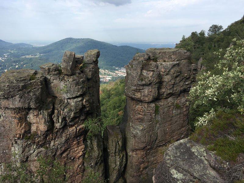 Ein wenig erinnert mich die Battertfelsen-Region mit ihren nebeneander aufragenden Felstürmen an die Sächsische Schweiz