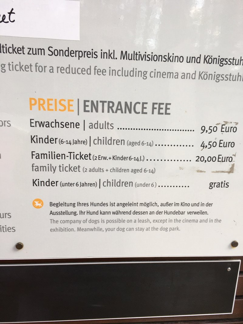 Wanderer auf Rügen bezahlen 9,50 Euro, damit sie das Plateau auf dem Königsstuhl betreten dürfen