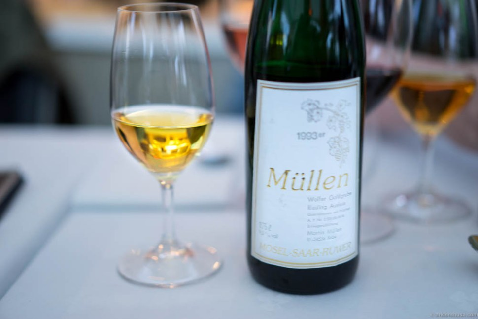 Time for dessert wine! Müllen Riesling Auslese Mosel-Saar-Ruwer. I love the sweetness of Rieslings like this. It's not a powerful sweet flavor, just soft, light and smooth