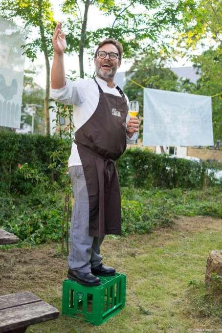 Martin Pihl introducing the dinner