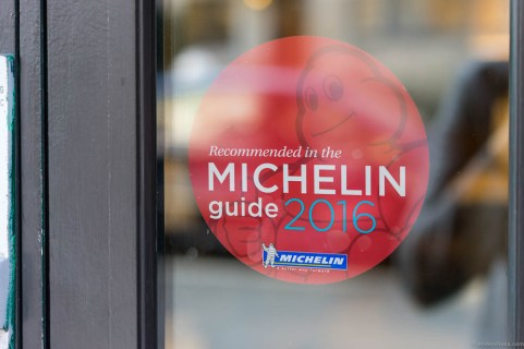 """Feinschmecker is stil recommended in the Michelin Nordic Guide 2016 with three knives and forks signalizing a """"very good standard"""""""