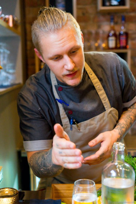 Head chef Morten Klever presenting the next dish