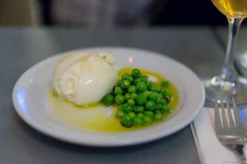 Burrata, peas & olive oil