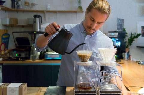 Service minded barista Johan at Viktors Kaffe
