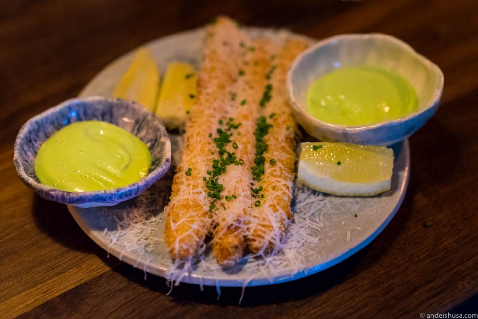 Deep fried white asparagus with parmesan cheese, chives mayo & lemon. Only at Pjoltergeist!