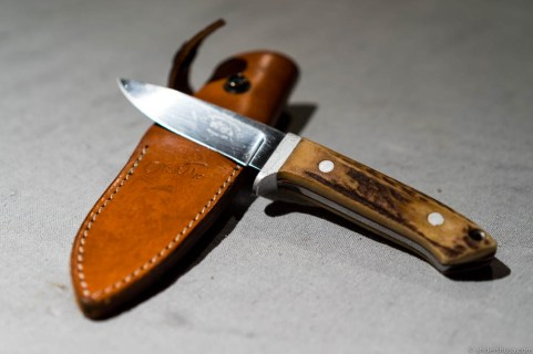 Proper duck knife