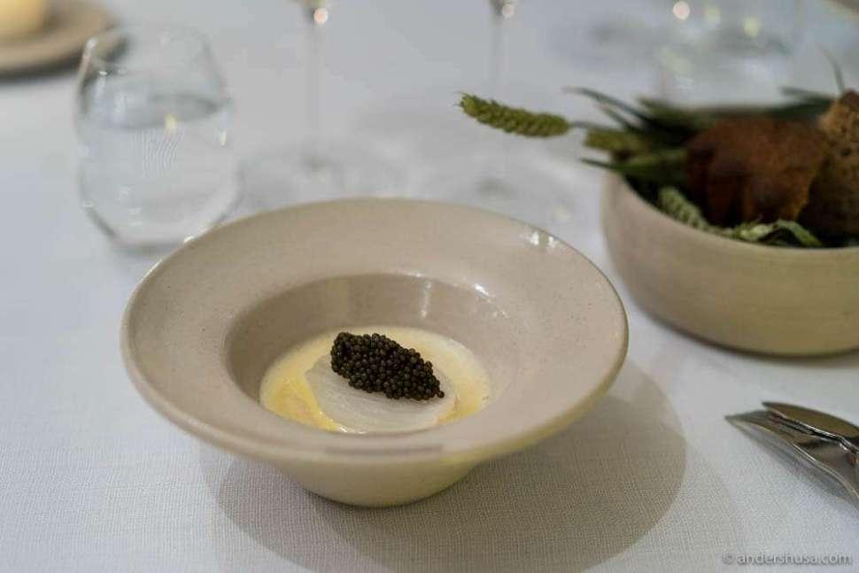 Baked onion with caviar & a sauce of elderflower
