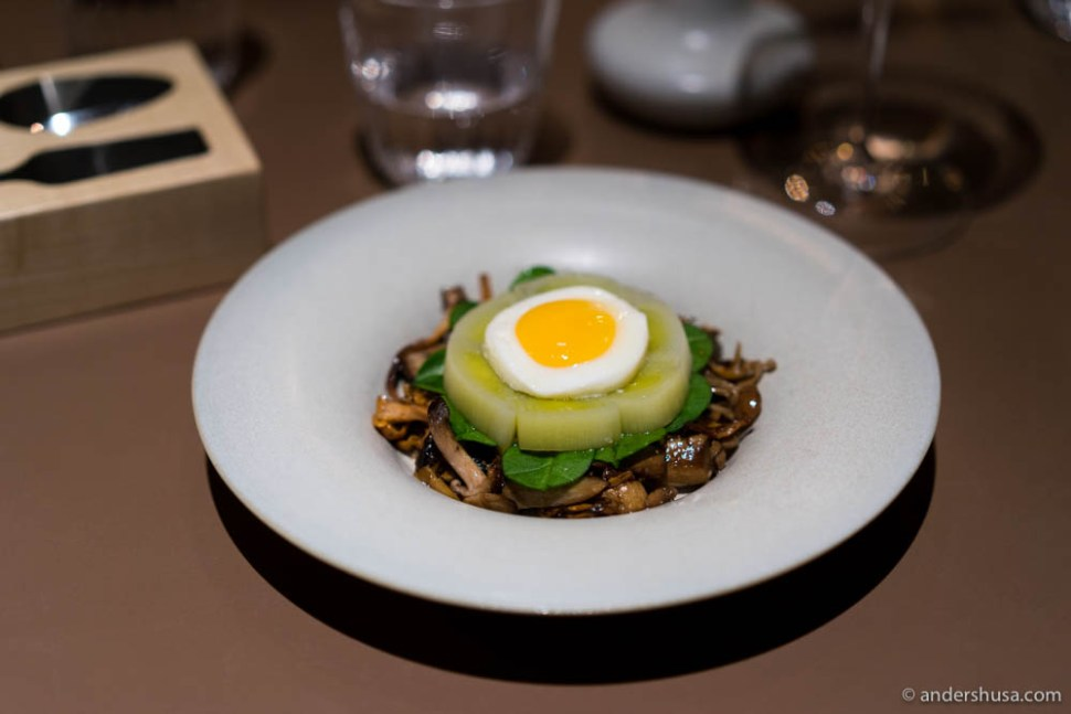 Grilled autumn mushrooms, corn brioche, leek, spinach & fried egg