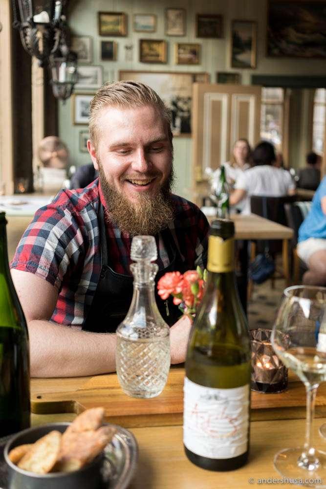 My passionate wine waiter