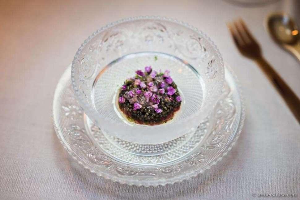 Red deer tartare, argan oil, finger lime & Zén prestige caviar