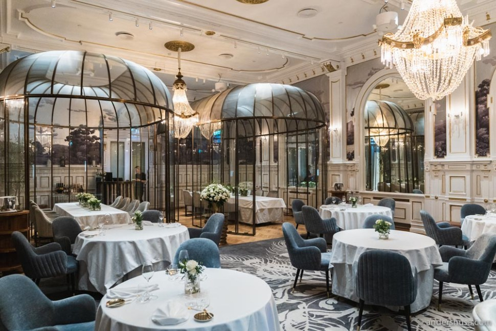 The historic dining room of Speilsalen is spectacular, and its redesign reeks of Michelin star ambitions.