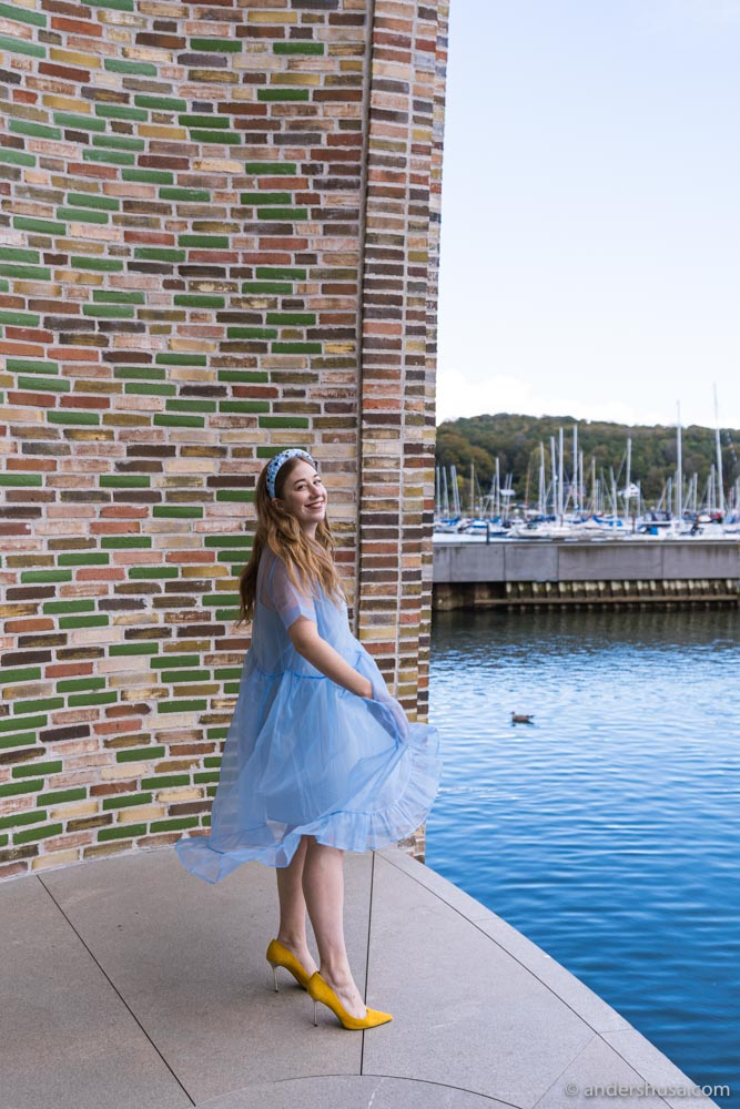 Kaitlin decided that this spectacular location called for an equally stunning dress.