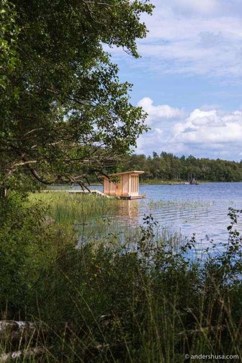 The lakeside sauna.