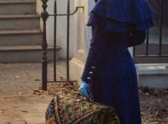 "WORLDWIDE FIRST LOOK AT EMILY BLUNT AS MARY POPPINS IN ""MARY POPPINS RETURNS"" 14"